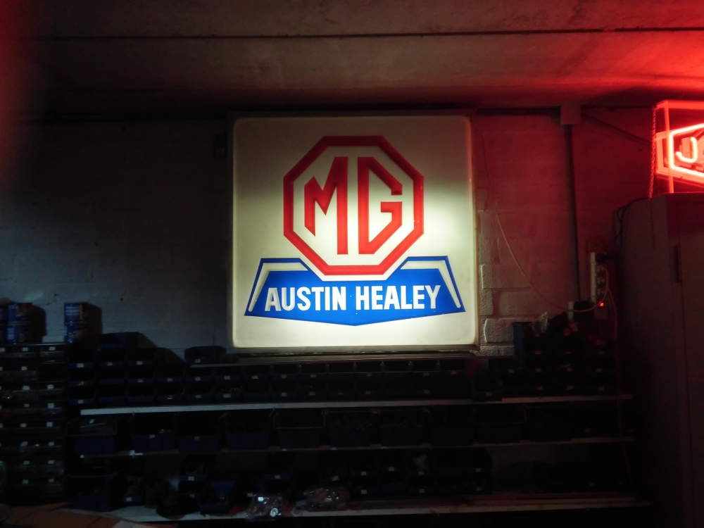 MG austin healey light